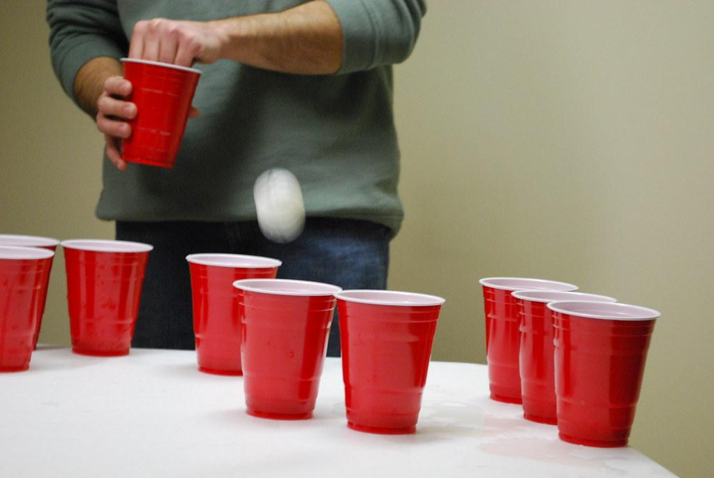 bière pong piscine