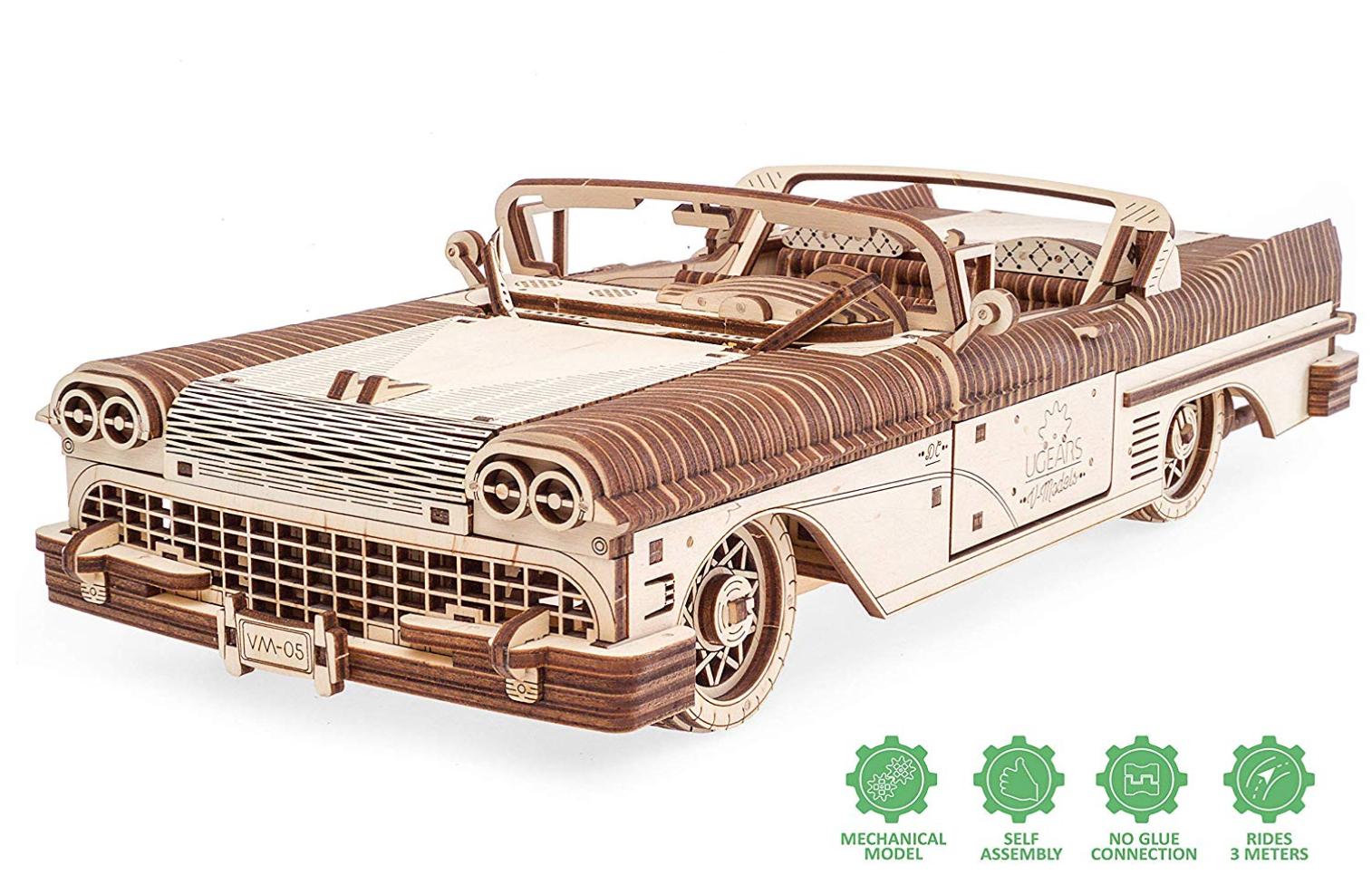 puzzle-3D-voiture-bois-UGEARS